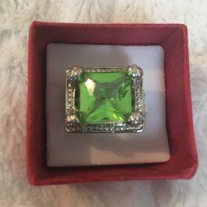 Jewelry - RING LADIES' SZ 8 LARGE PERIDOT SET IN .925 SILVER